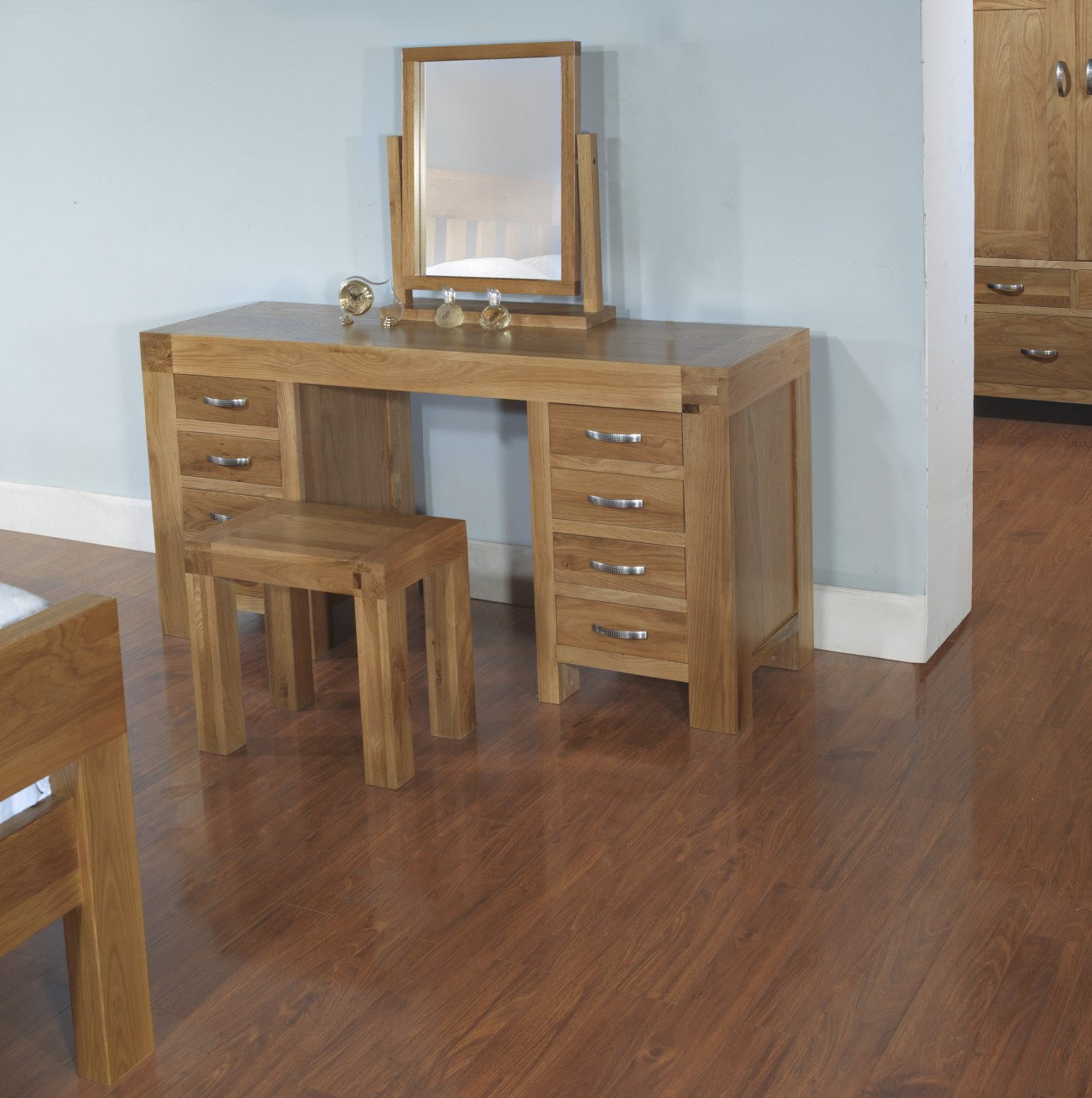 Rivermead solid modern oak bedroom furniture dressing table and ...