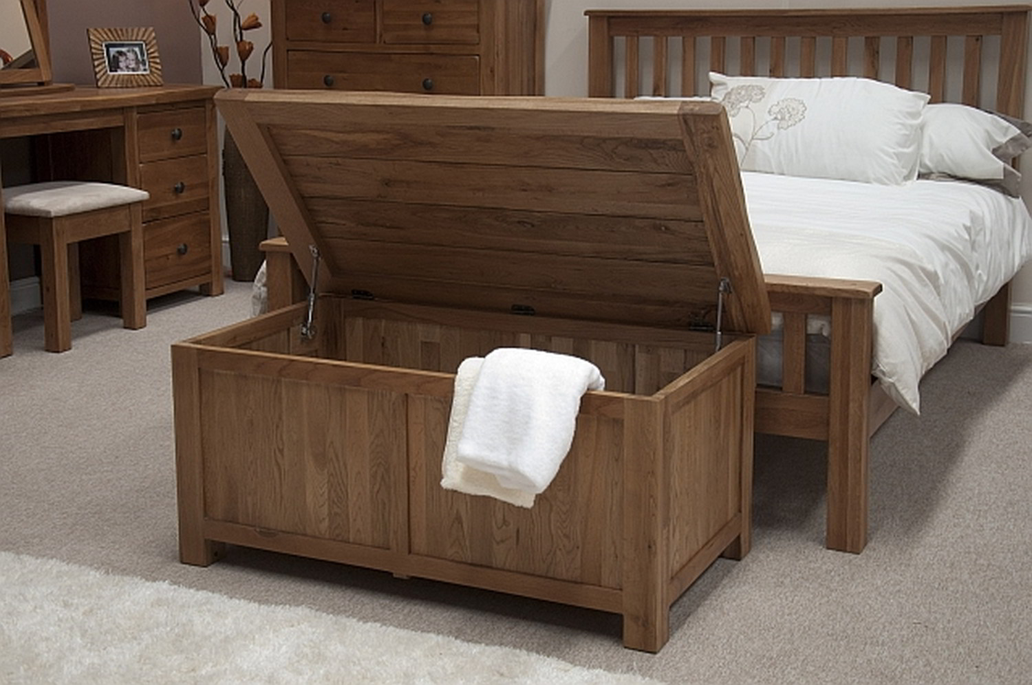 solid rustic oak bedroom furniture blanket storage box chest trunk