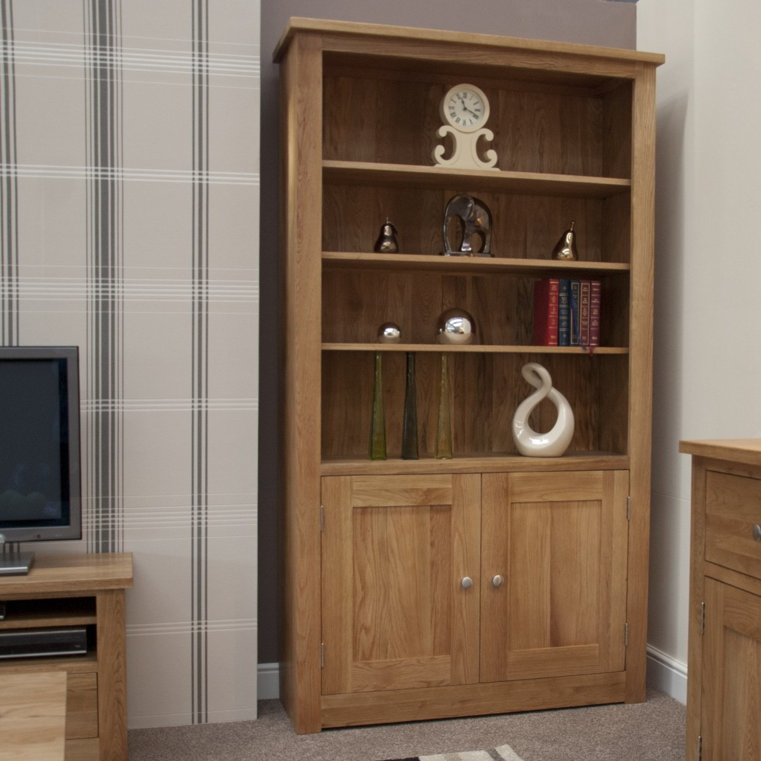 Kingston solid modern oak furniture two door living room for Door furniture uk