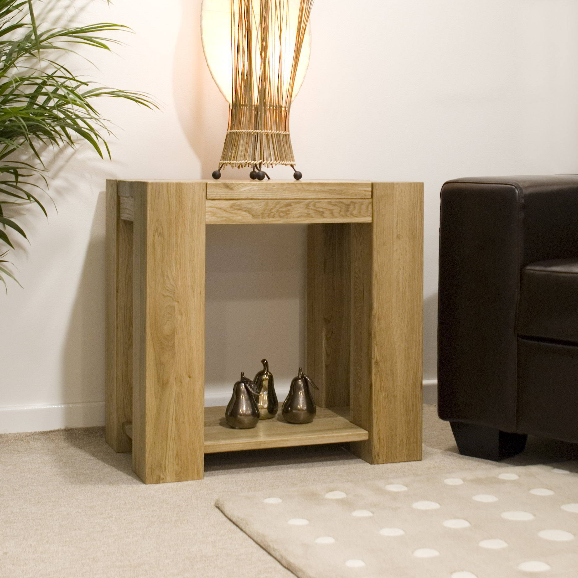Padova solid chunky oak furniture lamp sofa side end table