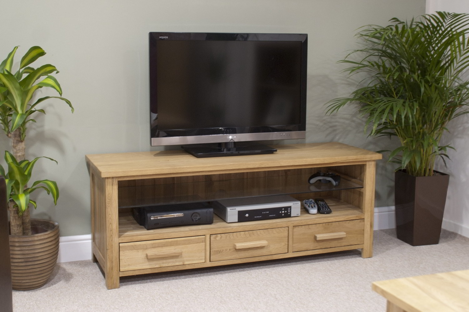 Eton solid oak living room furniture widescreen tv cabinet for Solid oak furniture