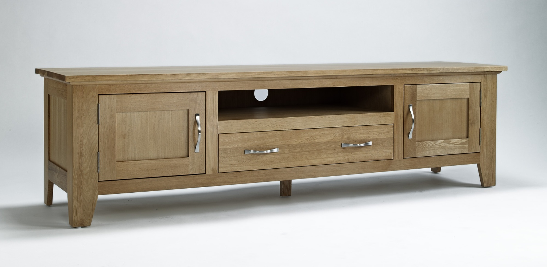 Compton solid oak living room furniture large widescreen TV ...